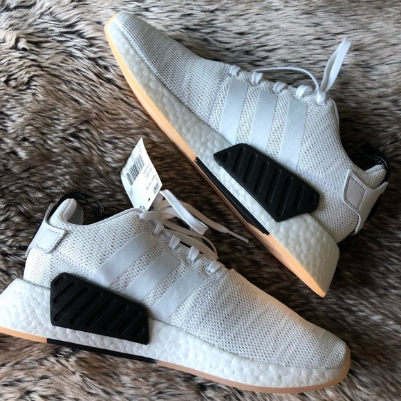 new concept 2fc2b 1739d Adidas NMD R2 Women's Shoes White/Black